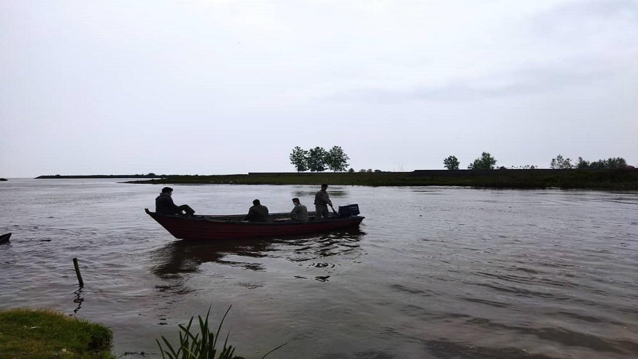 پاکسازی رودخانههای لنگرود از ادوات صید غیرمجاز