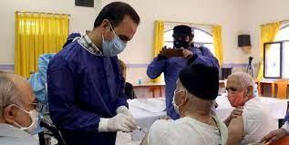 بیش از ۳۰۰ نفر از سالمندان زرند علیه کرونا واکسینه شدند