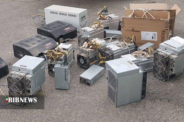 کشف ۲۴ دستگاه استخراج ارز دیجیتال در مرز بانه