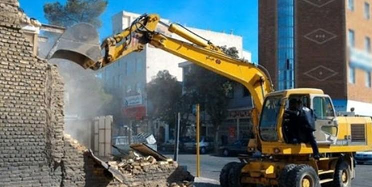 ساختمان ۶ میلیاردی غیرمجاز در سنندج تخریب شد