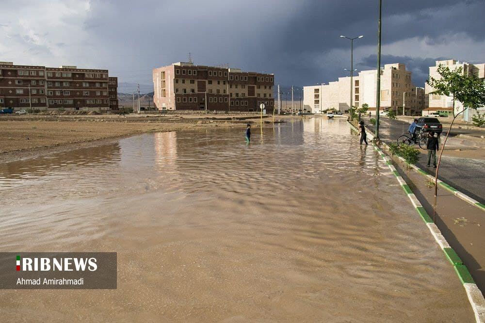 باران و آب گرفتگی در معابر سمنان