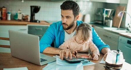 نفقه فرزند چیست و پرداخت آن بر عهده کیست؟