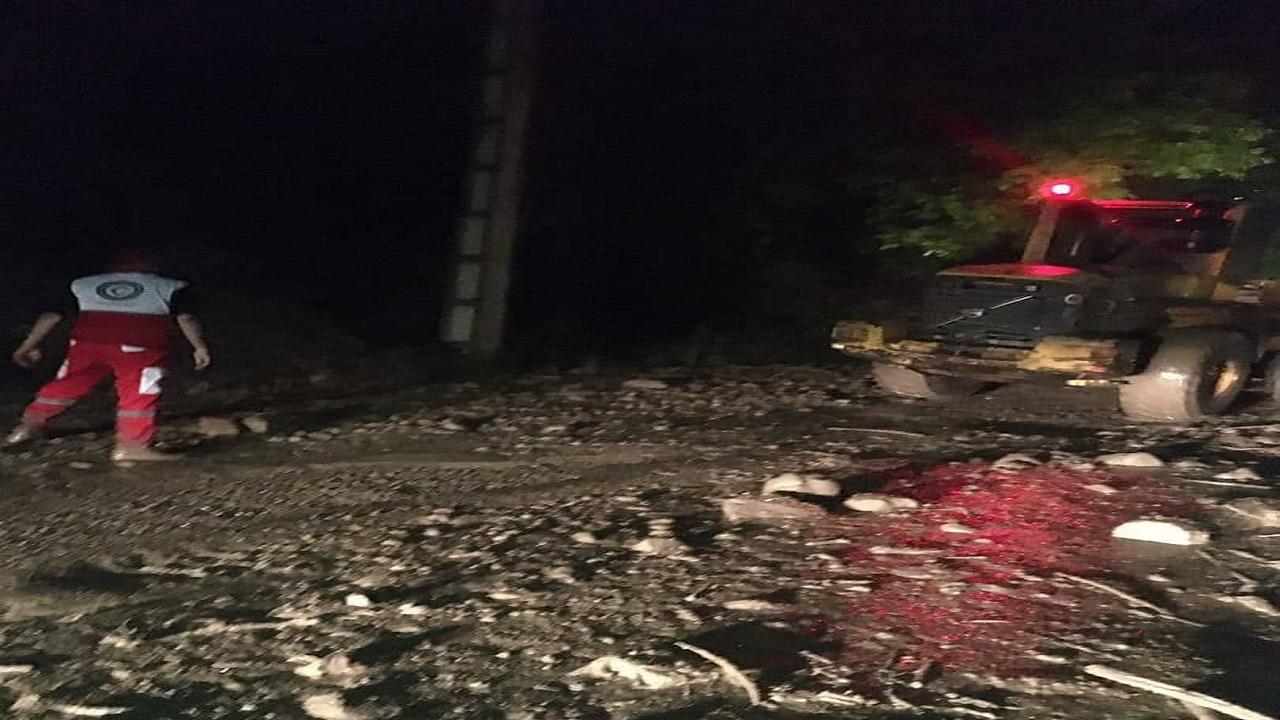 یک واحد مسکونی در لاریجان طعمه سیلاب شد