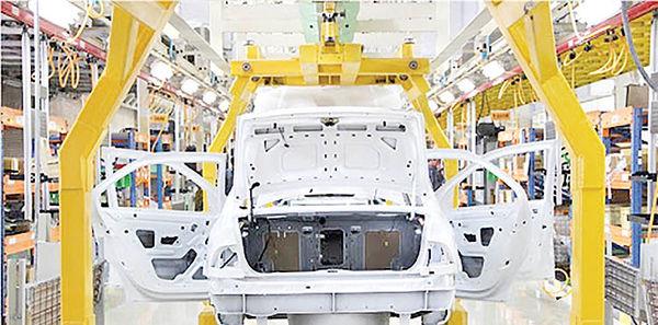 انتقاد وزارت صمت از تعلل شورای رقابت در اعلام نرخ جدید خودرو