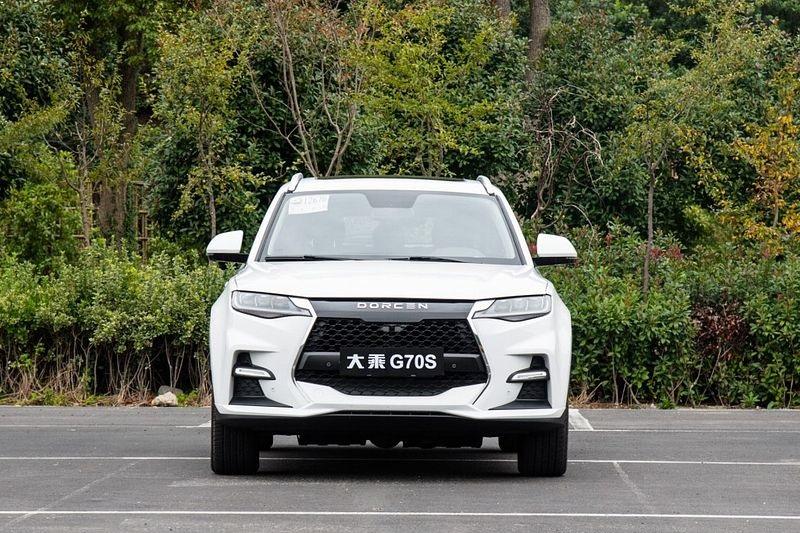 دورسن G70S؛ شاسی بلند چینی با پیشرانه توربو و امکانات کامل کابین