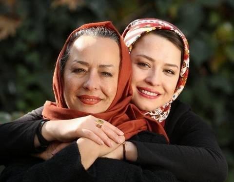 چهره ها/ عکس زیرخاکی از مهراوه شریفی نیا و مادرش