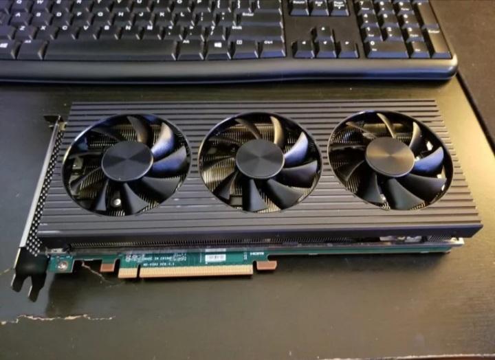 تصاویر گرافیک RX 6800 XT OEM دِل طراحی نه چندان جذاب آن را نشان میدهند