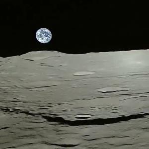 تایم لپس دیدنیِ تصویر طلوع زمین از ماه