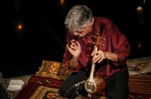 تکنوازی دل نشین کمانچه کیهان کلهر در آمستردام
