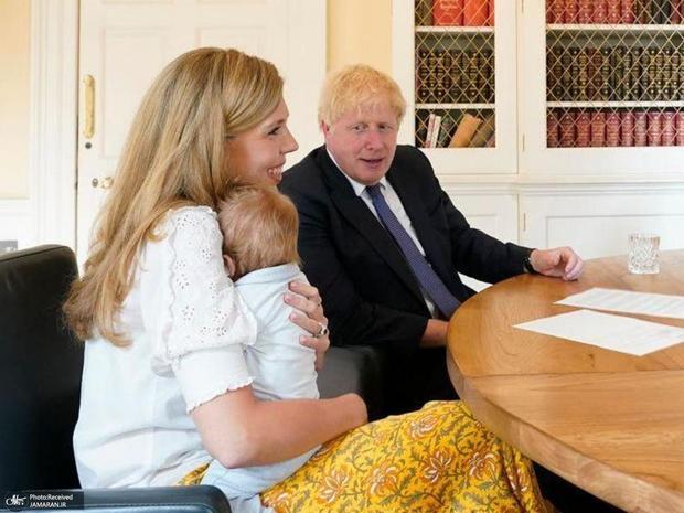 هزینه پرستاری از نوزاد جانسون را انگلیسیها می پردازند!
