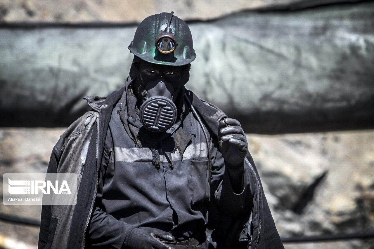 عکس/ عملیات نجات کارگران معدن طزره دامغان
