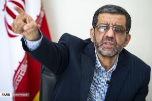 شعار جدید کاندیدای ریاست جمهوری: «ضرغامی، روحانی نیست»