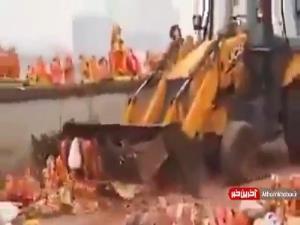 ویدئویی از به خیابان انداختن بتها توسط بتپرستان هندی