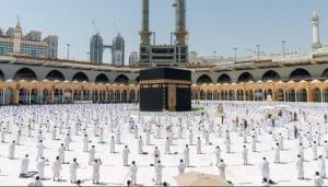 عربستان عمره گزاران خارجی را تحت پوشش بیمه کرونا قرار می دهد