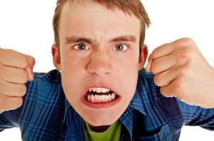 چند ترفند برای جلوگیری از رفتارهای پرخاشگرانه در ایام نوجوانی