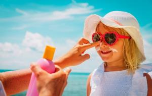 ۱۸ روش خانگی اثربخش برای درمان فوری آفتابسوختگی