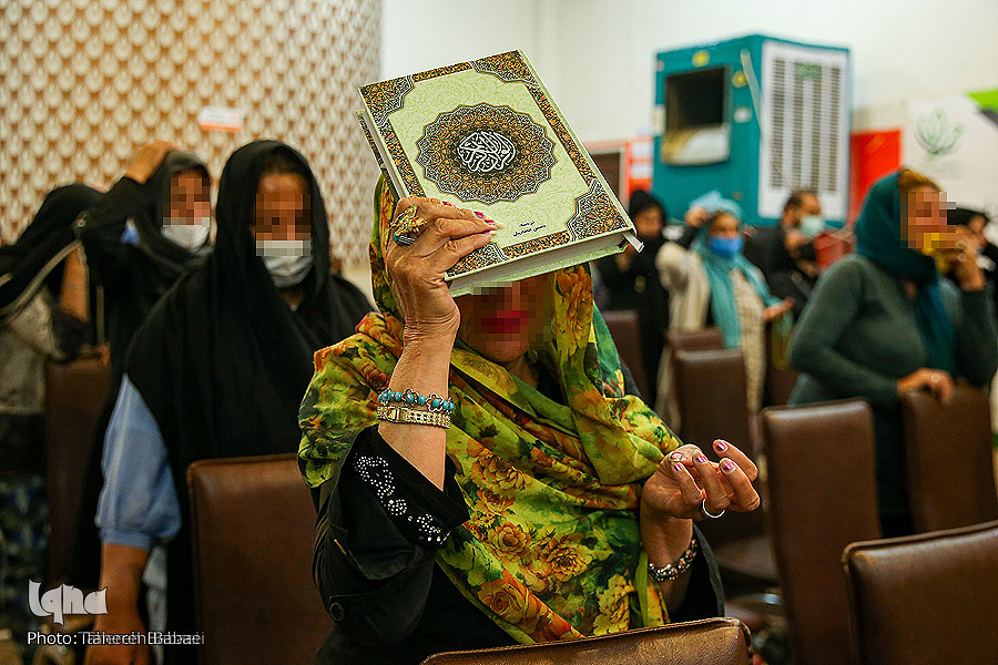 عکس/ شبی متفاوت در گرمخانههای تهران