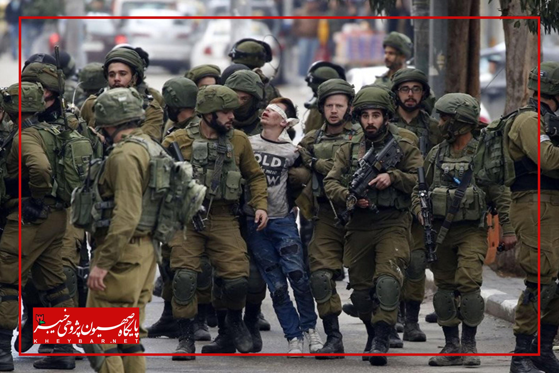 تصویری تامل برانگیز از دستگیری یک نوجوان فلسطینی