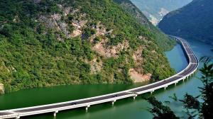 ساخت یک آزادراه خارق العاده میان چین و پاکستان