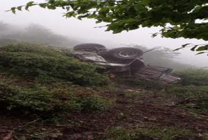 سقوط خودرو پاترول به دره در ارتفاعات مریان تالش