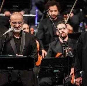 اجرای آهنگ زیبا و به یاد ماندنی «بوی باران» از محمد اصفهانی