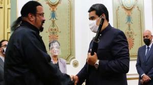 هدیه مادورو به بازیگر سرشناس آمریکایی