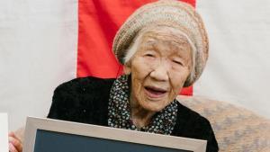 مسن ترین زن جهان از شرکت در مراسم حمل مشعل المپیک توکیو ۲۰۲۰ کناره گیری کرد
