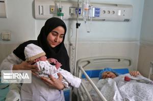 تولد نوزاد عجول مهابادی در آمبولانس