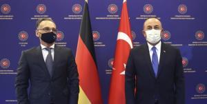 رایزنی «چاووشاوغلو» و «ماس» درباره تنشهای ترکیه و اتحادیه اروپا