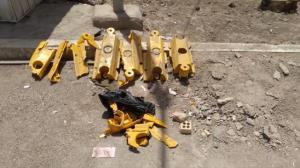 سرقت جداکنندههای پل خرمشهر در روز روشن و میان تردد خودروها!