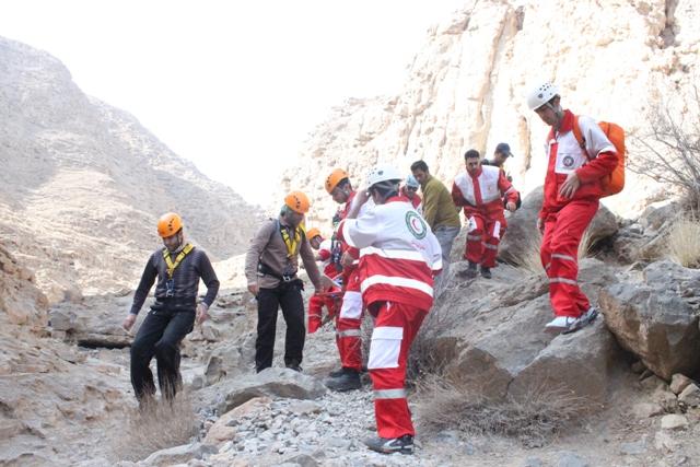 نجات ۲ کوهنورد در تفتان