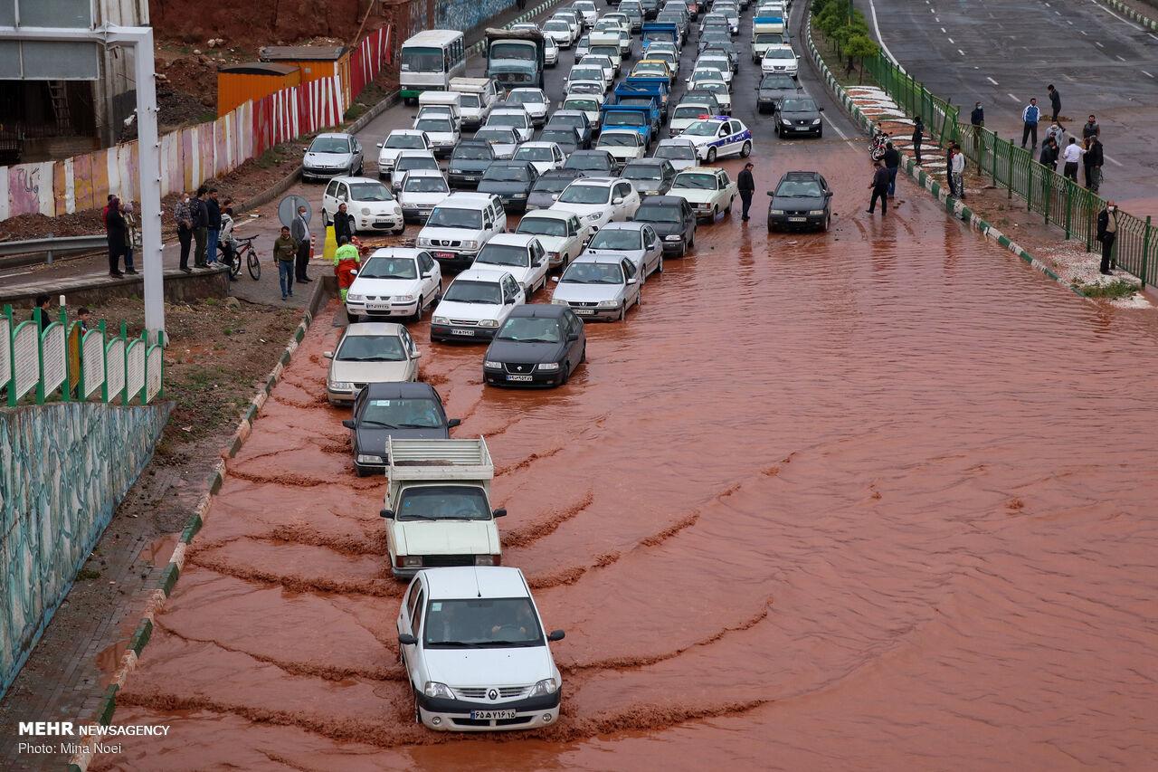 عکس/ وضعیت عجیب معابر تبریز بعد از بارندگی شدید امروز
