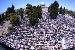 خطیب نماز جمعه قدس: سازشکاران با رژیم اسرائیل وعده خدا را فراموش کردند