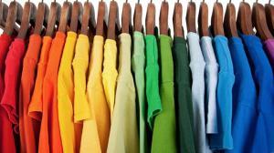 کدام رنگ لباس در اسلام منع شده است؟