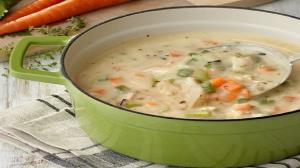 طرز تهیه سوپ جو با پنیر پارمسان؛ متفاوت و خوشمزه