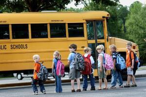 راننده اتوبوس مدرسهای که بخاطر خونسردیاش توانست جان 18 دانشآموز را نجات دهد