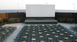 سالنهای روباز، هوایی تازه در جشنوارهها