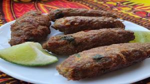 طرز تهیه کباب گوشت و بلغور؛ یک غذای خوشمزه و مقوی