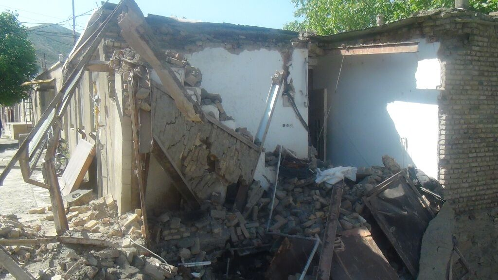 زلزله دیشب به بیش از ۵۰ واحد مسکونی در سروآباد خسارت زد