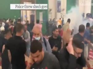 تصاویر حمله نظامیان صهیونیست به نمازگزاران فلسطینی در مسجدالاقصی