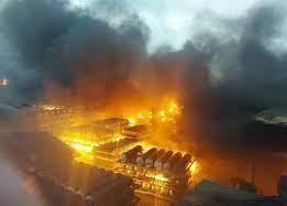 آتشسوزی مهیب در شرکت تاژ شهرک صنعتی لیا قزوین