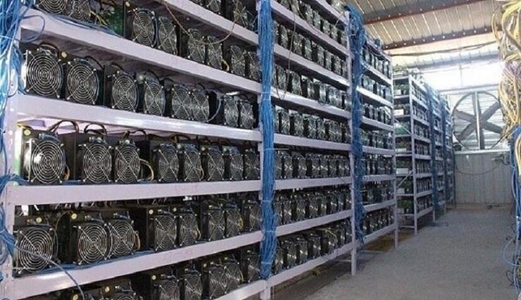 کشف ۲۵ دستگاه استخراج ارز دیجیتال در مشهد
