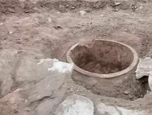 کشف اشیا تاریخی حین حفر کانال آب در کدکن تربتحیدریه