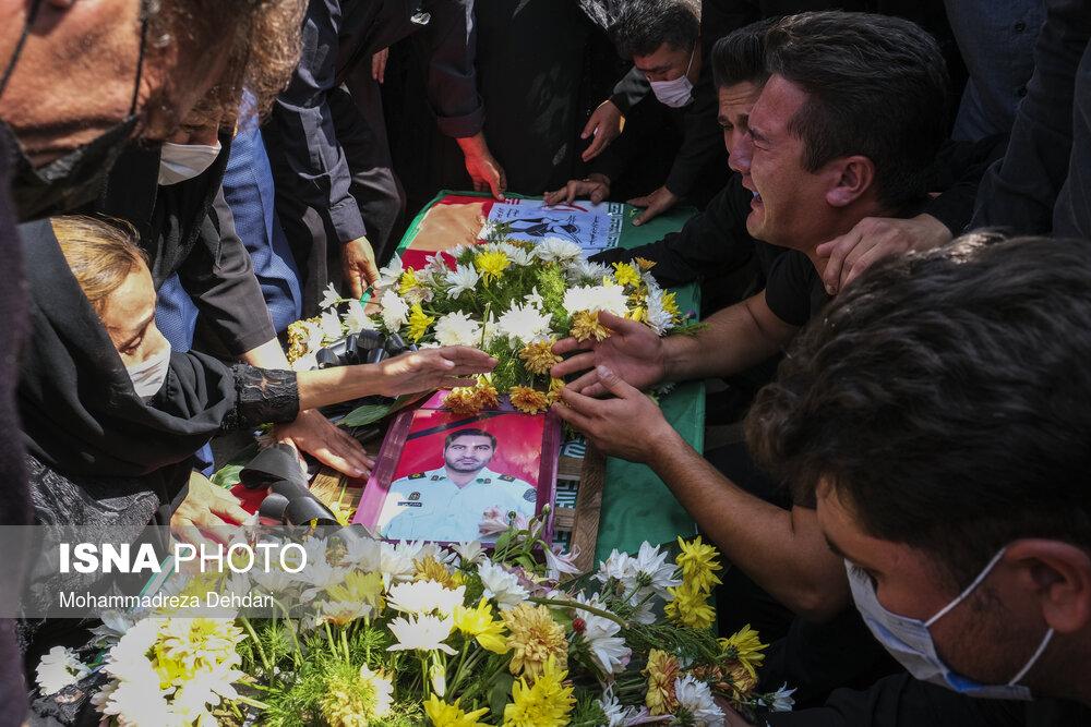 عکس/ استقبال از شهید مدافع امنیت در شیراز