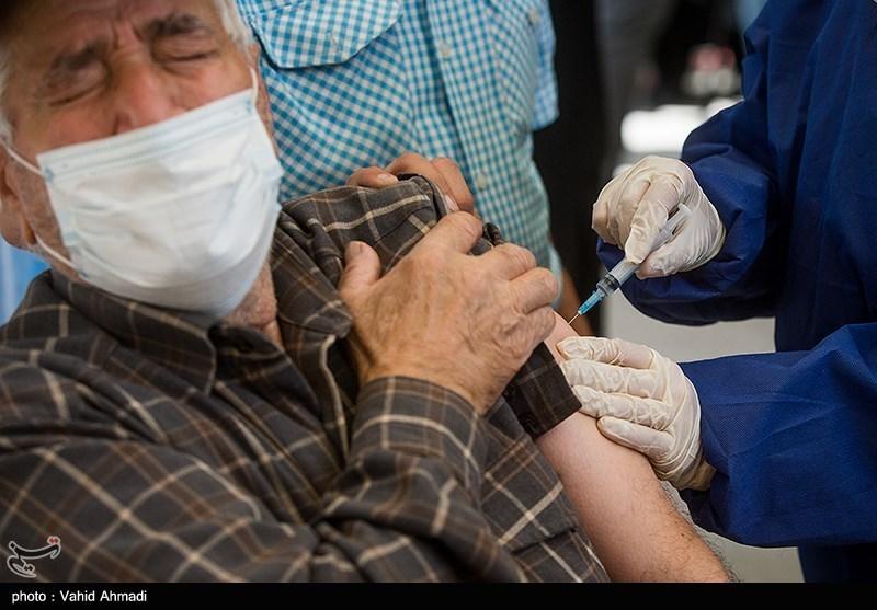عکس/ واکسیناسیون کرونا برای سنین بالای ۷۵ در تهران