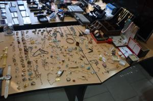 دستگیری متهمان سرقت در نیشابور