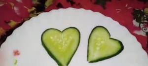 ایده ساده تزئین خیار به شکل قلب