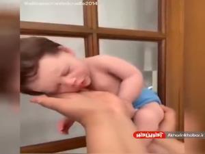 شاید باور نکنید اما این نوزاد یک عروسک است!