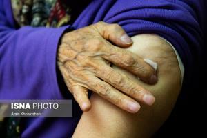 کرونا/ سالمندانی که واکسن زدهاند، همچنان ماسک بزنند
