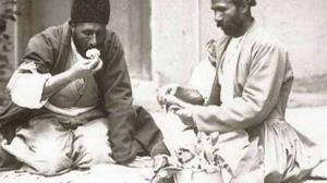 آداب نماز عید فطر در طهران قدیم؛ باز کردن روزه در عید فطر با خاک تُربت